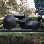 彫刻家ヘンリー・ムーアについて知っておくべき7つのこと